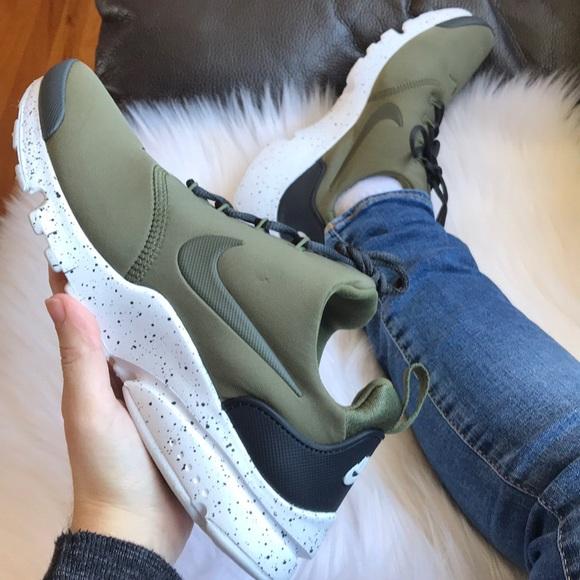 best service 725fc 05099 Nike Presto Fly SE Sneakers